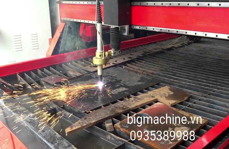 Máy cắt CNC Plasma hoạt động ổn định, gia công được trên nhiều bề mặt, tốc độ cắt nhanh chóng độ chính xác cao