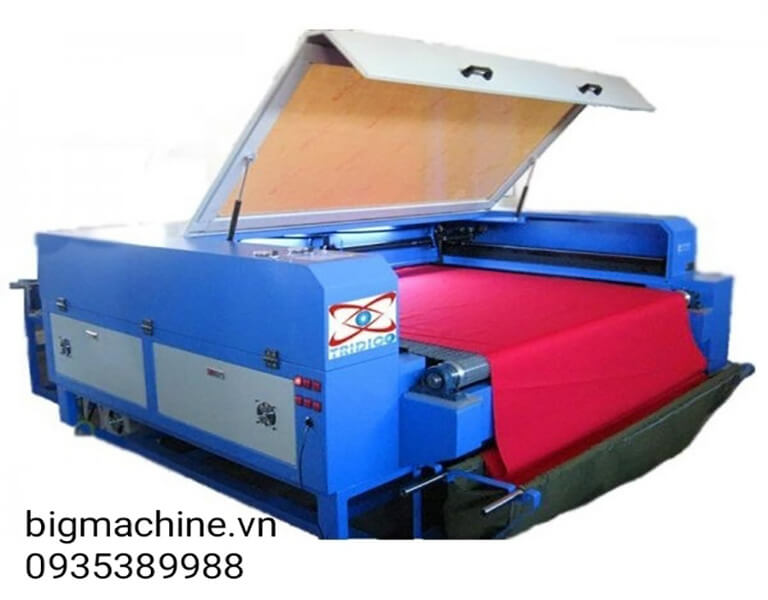 Máy Laser cắt vải tự động TR-1610A