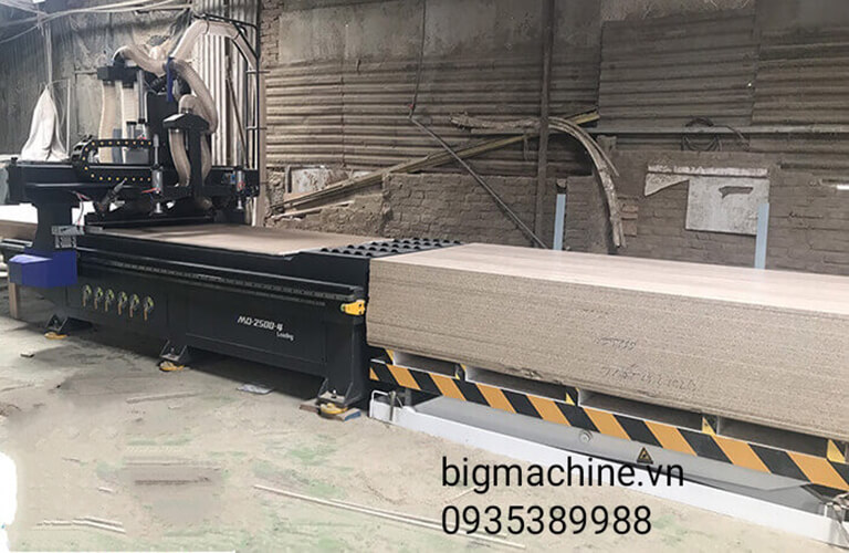 Máy khắc gỗ CNC là dòng máy tốt, gia công tốt trên gỗ, được nhiều người sử dụng để tối ưu hóa công việc