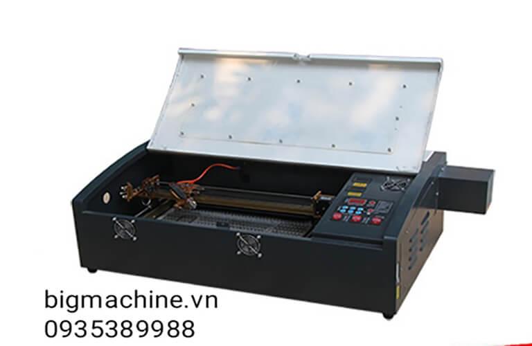 Máy cắt khắc laser giấy 3020