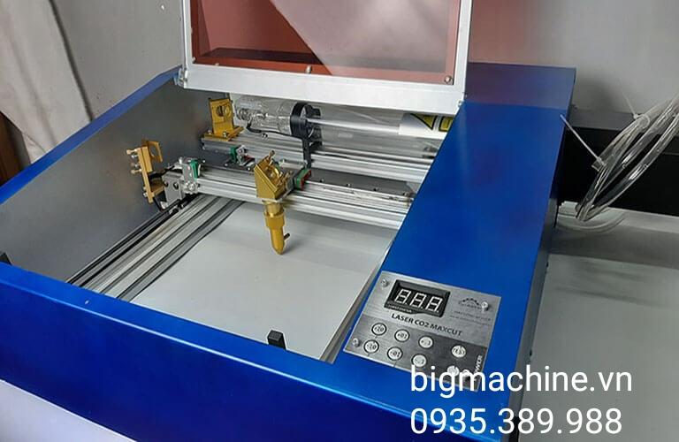 Máy khắc laser CO2 3030