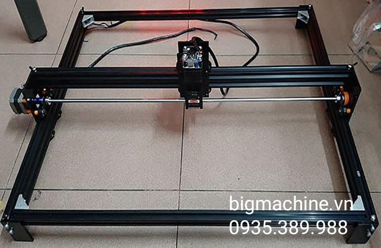 Máy khắc Laser mini khổ lớn Maxcut D6550